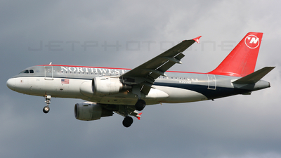 N355NB - Airbus A319-114 - Northwest Airlines