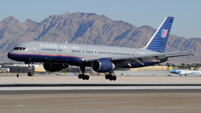N542UA - Boeing 757-222 - United Airlines