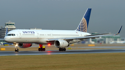 N19136 - Boeing 757-224 - United Airlines (Continental Airlines)