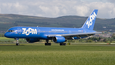 C-GTDX - Boeing 757-28A - Zoom Airlines