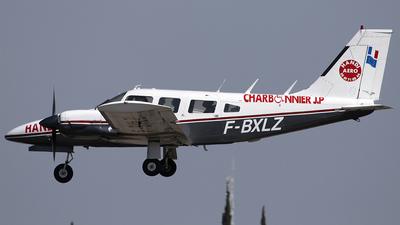 A picture of FBXLZ - Piper PA34200 - [347450216] - © Javier González