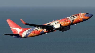 VH-VXB - Boeing 737-838 - Qantas