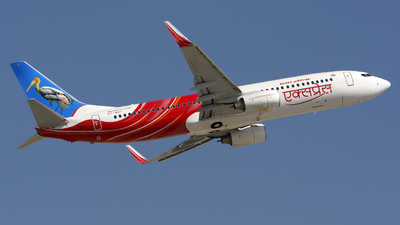 VT-AXT - Boeing 737-8HG - Air India Express