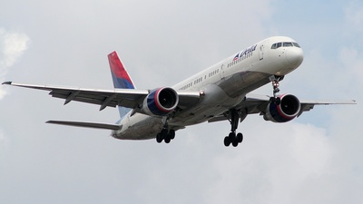 N750AT - Boeing 757-212 - Delta Air Lines