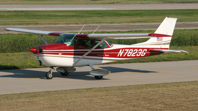 A picture of N7283G - Cessna 150L - [15074635] - © Bruce Leibowitz