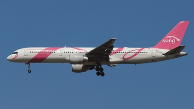 N610DL - Boeing 757-232 - Song
