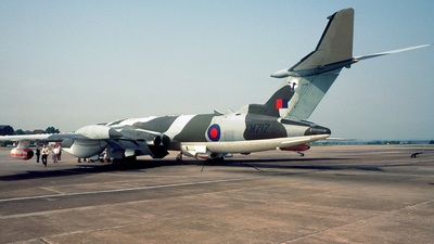 XM717 - Handley Page Victor K.2 - United Kingdom - Royal Air Force (RAF)