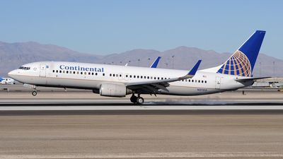 N27213 - Boeing 737-824 - Continental Airlines
