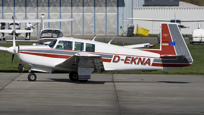 D-EKNA - Mooney M20F Executive 21 - Private