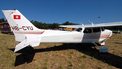 A picture of HBCYU - Cessna 172S Skyhawk SP - [172S9323] - © Mirko Bleuer