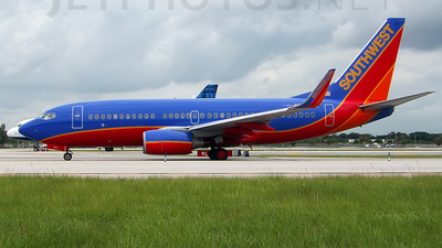 N407WN - Boeing 737-7H4 - Southwest Airlines