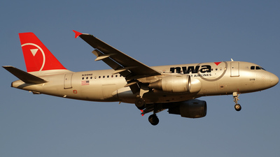 N319NB - Airbus A319-114 - Northwest Airlines