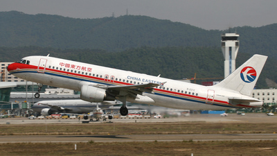 B-2212 - Airbus A320-214 - China Eastern Airlines