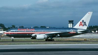 N317AA - Boeing 767-223(ER) - American Airlines