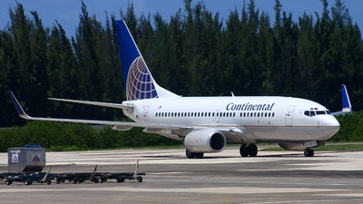 N24729 - Boeing 737-724 - Continental Airlines