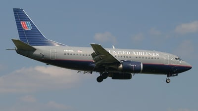 N907UA - Boeing 737-522 - United Airlines