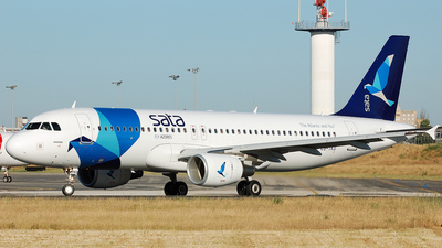 CS-TKO - Airbus A320-214 - SATA International