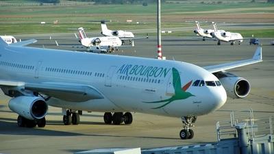 F-OITN - Airbus A340-211 - Air Bourbon