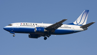 N382UA - Boeing 737-322 - United Airlines