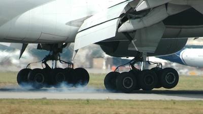 I-DISB - Boeing 777-243(ER) - Alitalia
