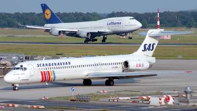 LN-RMH - McDonnell Douglas MD-87 - Scandinavian Airlines (SAS)