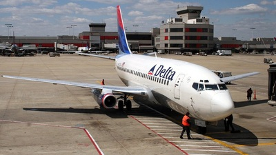 N301DL - Boeing 737-232(Adv) - Delta Air Lines
