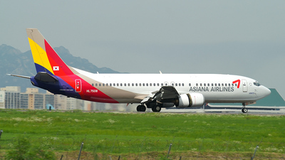 HL7508 - Boeing 737-48E - Asiana Airlines