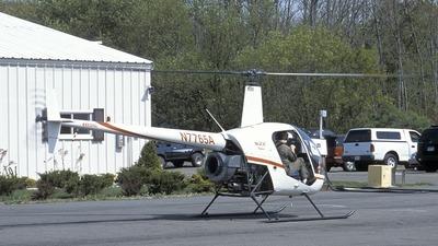 N7765A - Robinson R22 Beta - Private
