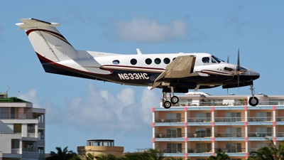 A picture of N633HC - Beech B200 Super King Air - [BB1852] - © Brian T Richards