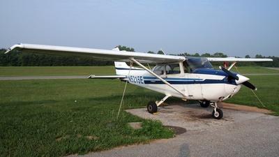 A picture of N5215E - Cessna 172N Skyhawk - [17271774] - © Royi Sher
