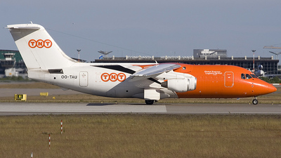 OO-TAU - British Aerospace BAe 146-200(QT) - TNT Airways