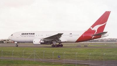 VH-EAL - Boeing 767-238(ER) - Qantas