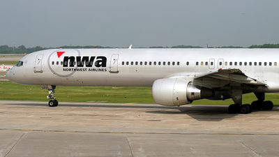 N590NW - Boeing 757-351 - Northwest Airlines