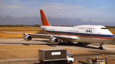 ZS-SAT - Boeing 747-344 - South African Airways
