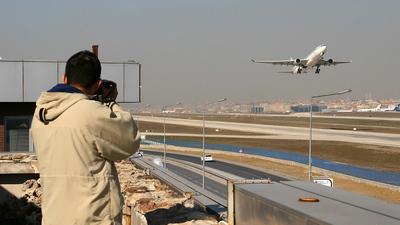 LTBA - Airport - Spotting Location