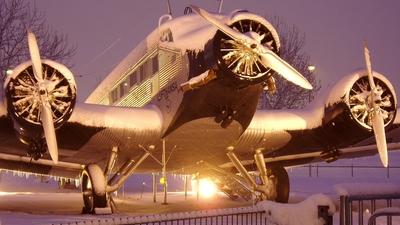 N88927 - CASA 352L - Lufthansa