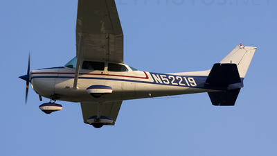 A picture of N52219 - Cessna 172P Skyhawk - [17274443] - © Andrew Thompson