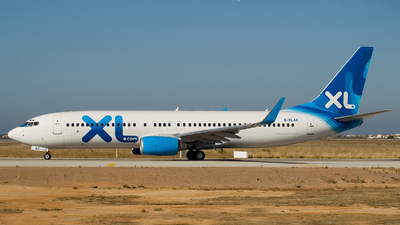 G-XLAC - Boeing 737-81Q - XL Airways