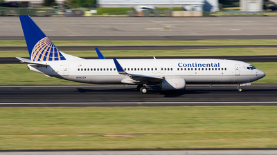 N14237 - Boeing 737-824 - Continental Airlines