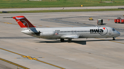 N762NW - McDonnell Douglas DC-9-41 - Northwest Airlines