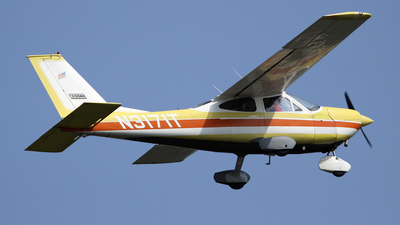 A picture of N3171T - Cessna 177 Cardinal - [17700471] - © Bruce Leibowitz
