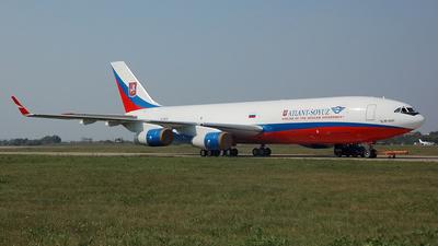 RA-96102 - Ilyushin IL-96-400T - Atlant-Soyuz Airlines