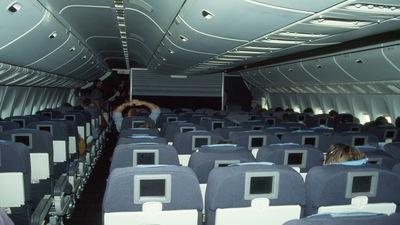 - Boeing 777-222(ER) - United Airlines