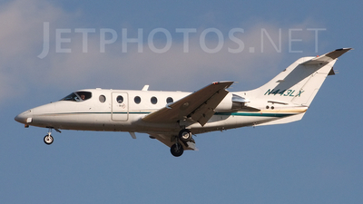 A picture of N443LX - Hawker Beechcraft 400XP - Flight options - © Jay Selman - airlinersgallery.com