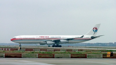 B-2382 - Airbus A340-313X - China Eastern Airlines