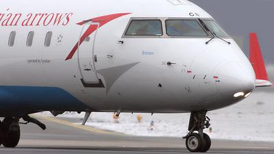 OE-LCN - Bombardier CRJ-200LR - Austrian Arrows