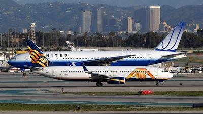 N318TZ - Boeing 737-83N - ATA Airlines