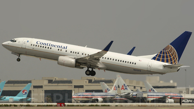 N37273 - Boeing 737-824 - Continental Airlines