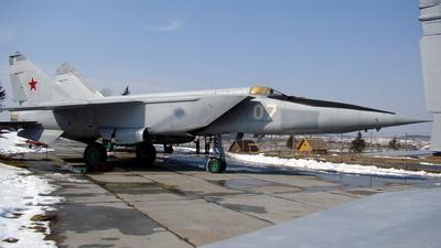 07 - Mikoyan-Gurevich MiG-25 Foxbat - Belarus - Air Force