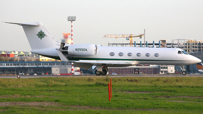 A picture of N255GA - Gulfstream G550 - [5555] - © carlo